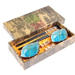 Abacus Asiatica: Edles Eßstäbchen-Set Panda aus geschnitzem Holz, Stäbchenhalter, Keramik-Schälchen in Geschenkschachtel (Paar Stäbchen, 2 Halter, 2 Schälchen), Mod. CBS-S2-G-H01 (DE)