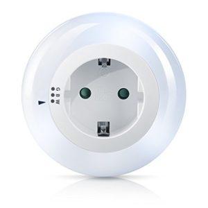 Brandson – LED Nachtlicht Orientierungslicht Nachtlampe – integrierter Helligkeits- Dämmerungssensor – drei wählbare Farben Weiß Grün Blau – Kindersicherung – inkl. Zwischenstecker