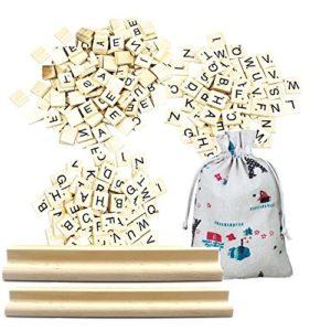 Scrabble Fliesen, Meiso Printing Holz Foto Requisiten Scrabble Fliesen letters-pendant Scrapbooking Schule Studie Hochzeit Little Geschenke Gastgeschenken 200PCS und 2Holz Buchstabe Racks
