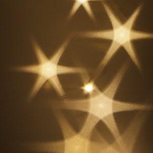10 Lichteffekt-Folien | Zum Basteln & Dekorieren mit Lichterketten, LED-Lichtern | DIY Laternen & Windlichter | Basteln für Advent & Weihnachten (Stern-Effekt, DIN A4)